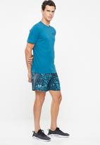 Under Armour - UA launch printed shorts - blue & grey