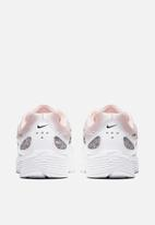 Nike - P-6000 SE - Light Soft Pink / Multi