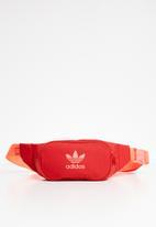 adidas Originals - Essential cross body - red