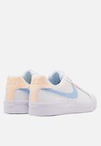 Nike - Court Royale AC - white / blue