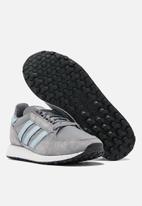 adidas Originals - Forest Grove - grey three / ash grey / core black