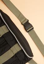 Superbalist - Dax waistbag - navy & khaki