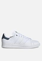 adidas Originals - Stan Smith - white / tech mineral