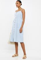 Cotton On - Woven beth button front midi dress - blue