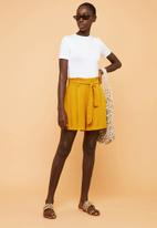 Superbalist - Soft paperbag shorts - yellow