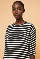 Superbalist - Relaxed tee dress - black & white