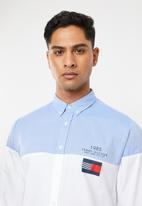 Tommy Hilfiger - Colourblock shirt - blue & white