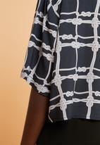 Superbalist - Resort shirt - navy & cream