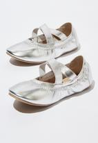 Cotton On - Kids primo ballet shoes - silver