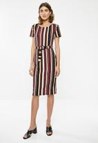 edit - Fitted dress with tie belt - multi