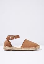 Cotton On - Faux suede ankle strap espadrille - tan