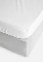 Sixth Floor - Cotton fitted sheet - white