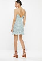 Missguided - Ruffle gingham cami dress - green