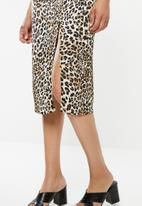 Missguided - Cowl leopard print midi slip dress - brown