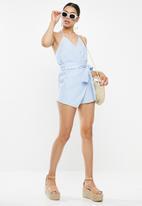 Missguided - Stripe halter playsuit - blue & white