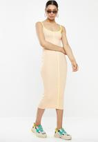 Missguided - Ribbed contrast piping midi dress - beige & green