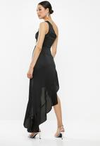 Missguided - One shoulder cut out satin maxi dress - black