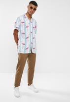 Brave Soul - Flamingo print short sleeve shirt - multi
