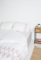 Sixth Floor - Phoenix embroidered cotton duvet set - white/multi