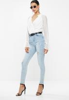 Missguided - Crochet lace plunge wrap bodysuit - white