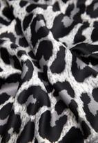 MANGO - Printed satin scarf - multi