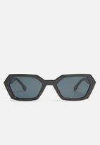 Superbalist - Chasity sunglasses - black
