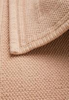 Sixth Floor - Nea bath mat - dusty pink