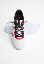 Nike - Explore Strada - platinum tint / red orbit