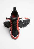Nike - Air Heights - black/university red-white