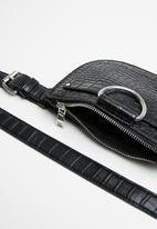 Superbalist - Saddle croc like belt bag - black