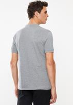 Superbalist - Pique slim fit mandarin golfer - grey