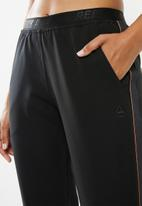 Reebok - Fitness lifestyle pant - black