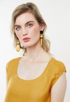AMANDA LAIRD CHERRY - Nosisi dress - yellow
