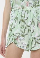 Superbalist - Sleep floral cami and shorts set - green