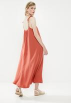 Superbalist - Strappy volume maxi dress - rust