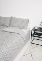 Sixth Floor - Rafiki woven jacquard cotton duvet set - grey