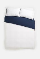 Sixth Floor - Reversible cotton duvet set - navy/white