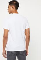 Levi's® - Graphic set in neck tee - white