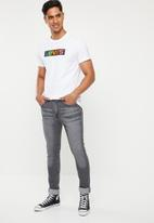 Levi's® - Graphic set in neck tee - white