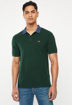 Levi's® - Standard polo with contrast collar - green