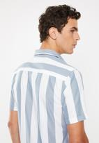 Only & Sons - Travis short sleeve shirt - blue & white