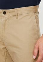 Tommy Hilfiger - Stretch cotton twill shorts - beige