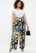 Missguided - Plus floral high waisted wide leg trousers - navy