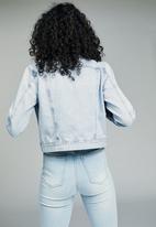 Cotton On - Girlfriend denim jacket - blue