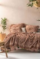 Linen House - Somers bed cover - maple