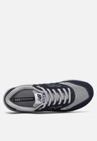 New Balance  - 580 - lifestyle running