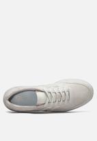 New Balance  - Classic Court - off white