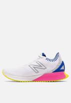 New Balance  - Fuel Cell Echo - white