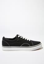 Cotton On - Axell skate sneaker - black & white