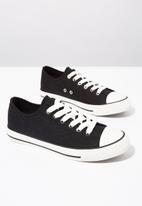 Cotton On - Jodi low rise sneaker 1 - black